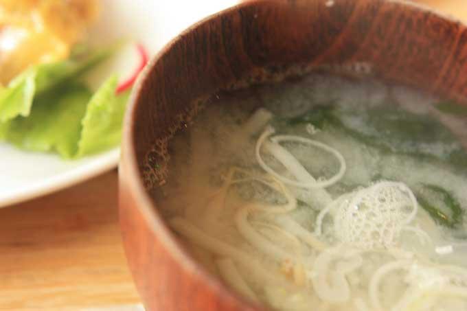 味噌汁アップの食事